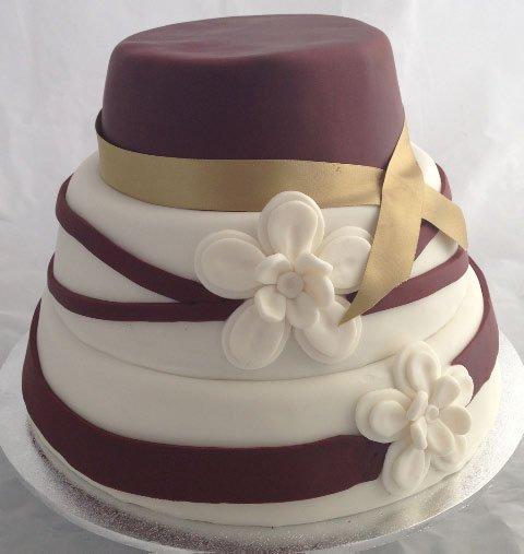 Celebrate Cakes Adult Birthday Cakes - Stylish chocolate cake