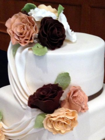 Sugar Flowers By Celebrate Cakes 1
