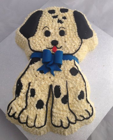 10 Cute Dog 2D Birthday Cake