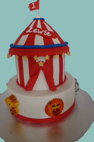 38 Circus Kids Birthday Cake