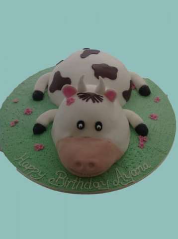 39 Cow Kids Birthday Cake