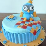 18 Hoot Birthday Cake