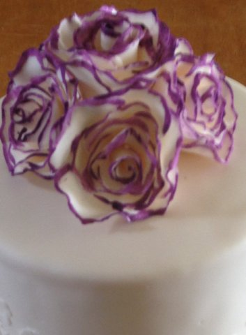 Celebrate Cakes Sugar Flowers - sugar ivory roses with hand painted petal edges