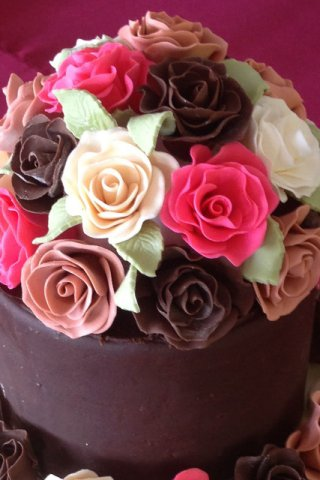 Celebrate Cakes Sugar Flowers - A dome of sugar roses incorporating sugar leaves