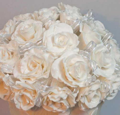 Celebrate Cakes Sugar Flowers - Dome of white sugar roses