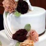 Celebrate Cakes Sugar Flowers - Sugar Roses in natural and brown colourings