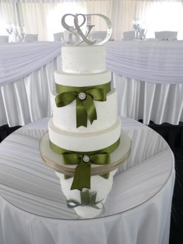 1_Celebrate-Cakes-Wedding-Cake-87