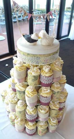 1_Celebrate-Cakes-Wedding-Cake-88
