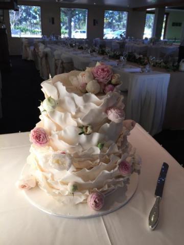 Celebrate-Cakes-Wedding-Cake-10