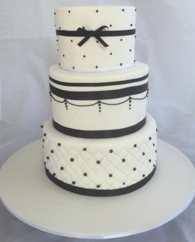 Celebrate-Cakes-Wedding-Cake-12