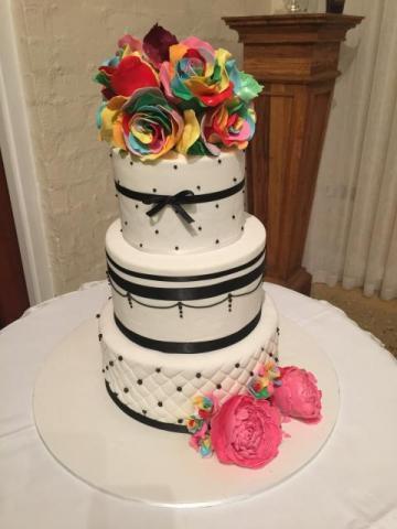 Celebrate-Cakes-Wedding-Cake-13