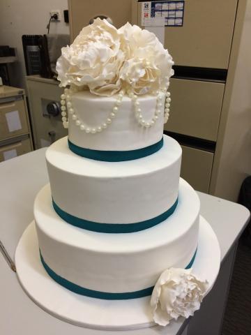 Celebrate-Cakes-Wedding-Cake-15