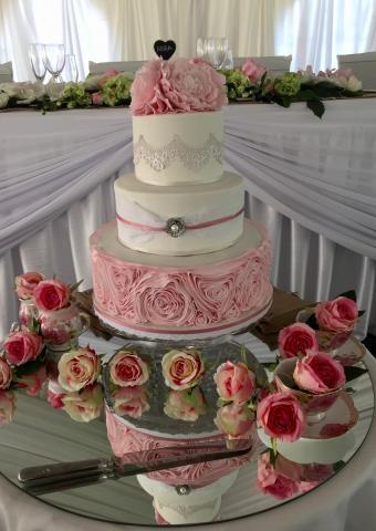Celebrate-Cakes-Wedding-Cake-29
