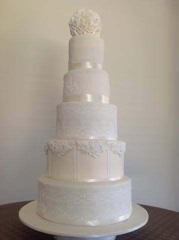 Celebrate-Cakes-Wedding-Cake-30