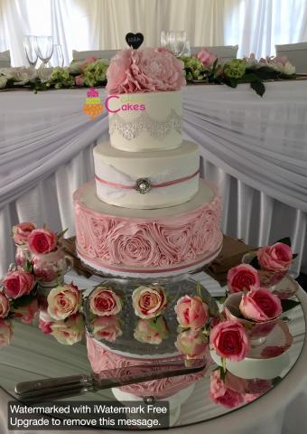 Celebrate-Cakes-Wedding-Cake-41