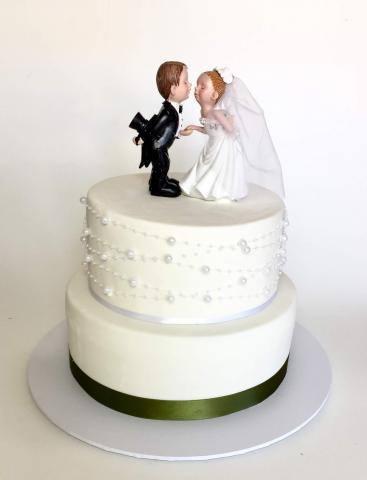 Celebrate-Cakes-Wedding-Cake-72