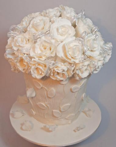 Celebrate Cakes - Wedding Cake with three tiers and silk flowers