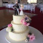 Celebrate-Cakes-Wedding-Cake-77