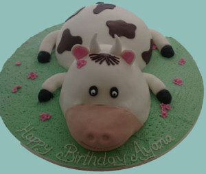 Kids 3D Birthday Cake in the shape of a Cow